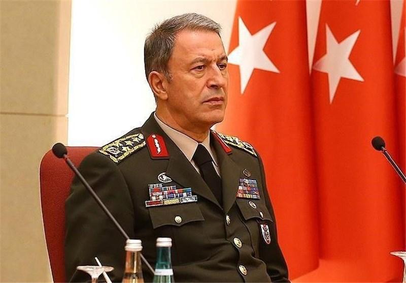 وزیر دفاع ترکیه: در زمان مناسب به شرق فرات حمله خواهیم کرد