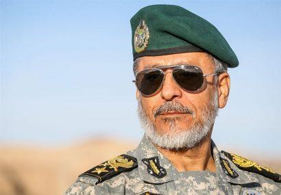 امیر سیاری: ترمیم سیلبندها و جلوگیری از نفوذ آب اولویت ارتش در منطقه جنوب است