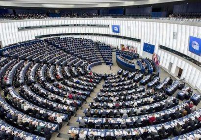 راستگرایان در یک قدمی کسب اکثریت پارلمان اروپا