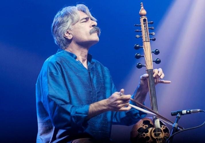 کیهان کلهر، آهنگساز و نوازنده کمانچه و سهتار، جایزه جهانی موسیقی «وومِکس» امسال را برده است.
