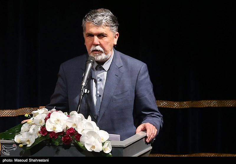 خبر خوش وزیر ارشاد در روز خبرنگار؛ امتیازات جدیدی برای خبرنگاران در نظر گرفتهایم / فضای تسهیلات وسیعتر میشود