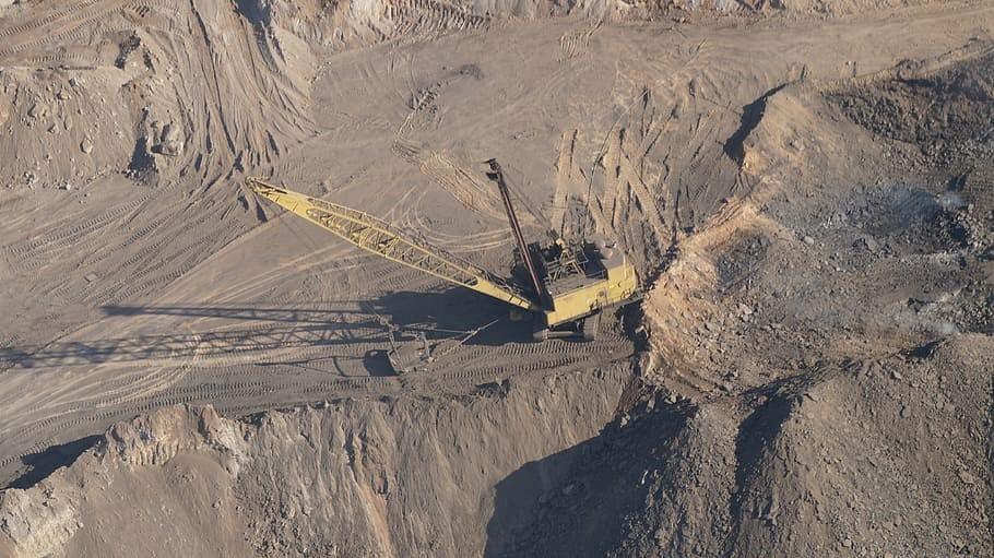 میزان تولید بزرگترین معادن سنگ آهن دنیا بر قیمت آهن آلات تاثیر مستقیمی دارد.