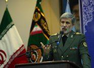 وزیر دفاع: ۳ دستاورد مهم دریایی در سال ۹۹ رونمایی میشوند / تمام موشکها نقطه زن شدند