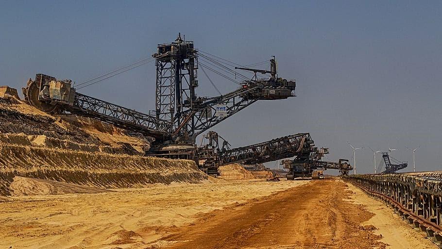 لیست بزرگترین معادن سنگ آهن ایران در میان بزرگترین معادن سنگ آهن دنیا نیستند.