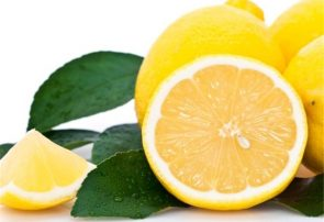 فروش لیمو ترش به صورت قاچاقی با نرخ ۴۵ تا ۵۰ هزار تومان در تره بار تهران