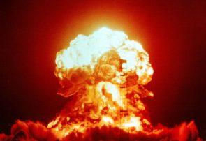 تولید و انباشت بمب اتمی اقتصادیست؟