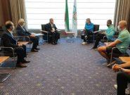 اهدای فرش به رییس IOC